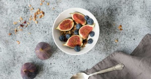 oatmeal-figs-blueberries_fa